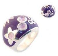 El uso de joyas de piedras semipreciosas -