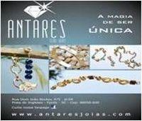 La joyería plateada oro y plata -