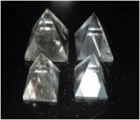 Piedras naturales en diversas formas -