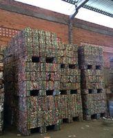 Chatarra de aluminio de las latas de estaño -